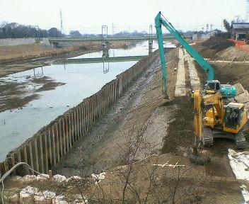 中川の護岸工事